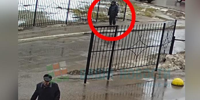 В Великом Новгороде пациент вышел из больницы и четыре часа умирал в 100 метрах от нее