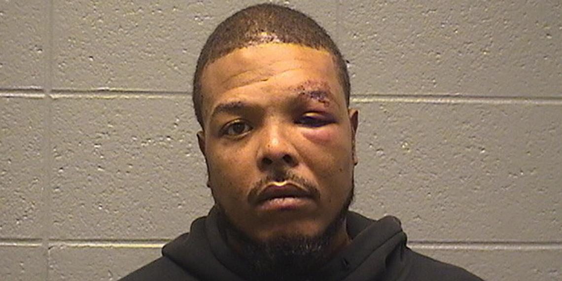 Афроамериканец откусил сосок другу полицейского, пытаясь сбежать после ДТП