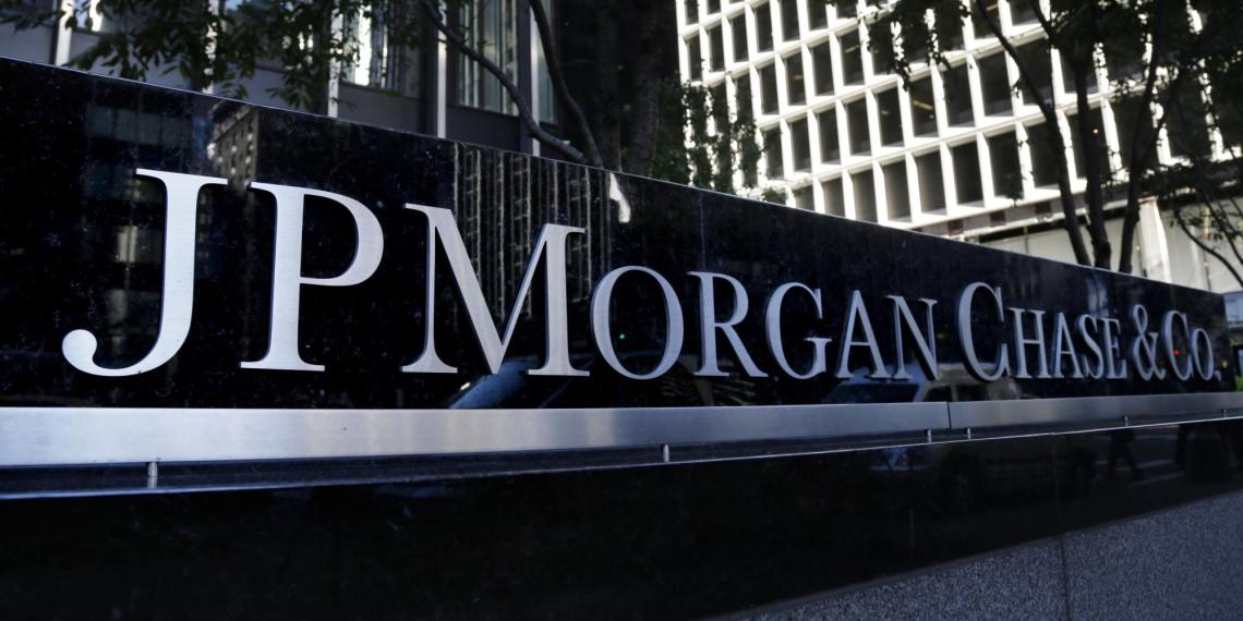 JPMorgan назвал самые выгодные валюты в период кризиса и торговой войны