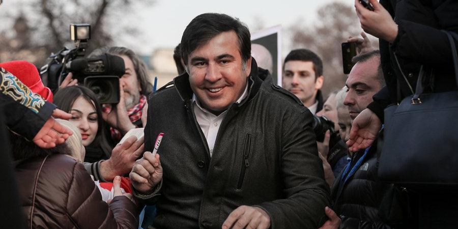 """Саакашвили призвал ликвидировать """"барыжную"""" Нацгвардию и СБУ"""