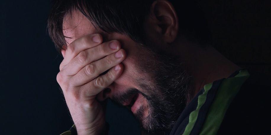 """Москвич выдавил себе глаза у церкви, услышав """"голоса"""" в голове"""