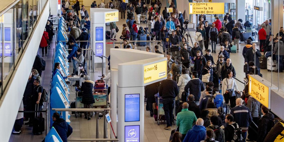 Песков ответил на вопрос о возобновлении авиасообщения с Европой