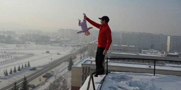 Житель Красноярска издевался над сыном-младенцем ради красочных видео и фото
