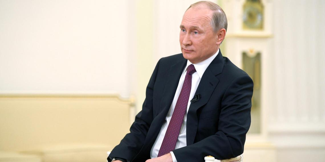 Путин назвал ограничения для российских СМИ в США атакой на свободу слова