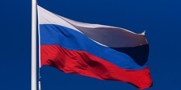Активисты ОНФ по всей стране масштабными акциями отметили День флага России