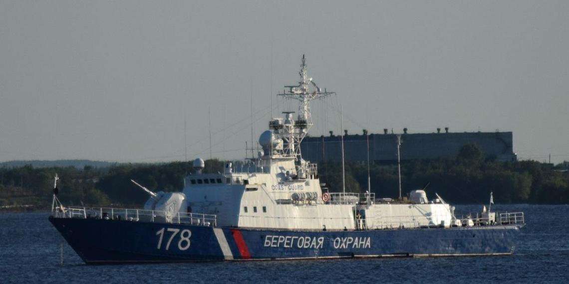 Российским пограничникам пришлось со стрельбой задерживать японскую шхуну