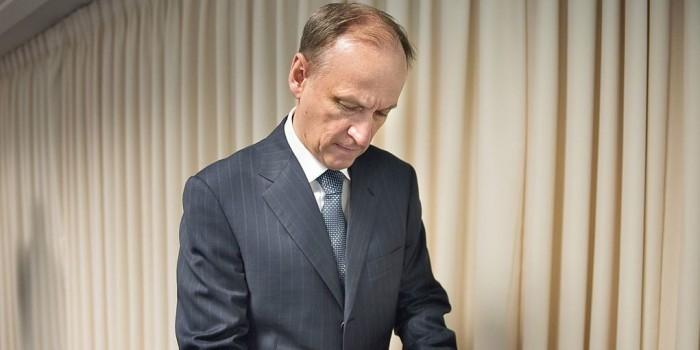 В информационных системах властей РФ обнаружены средства иностранных разведок — Патрушев
