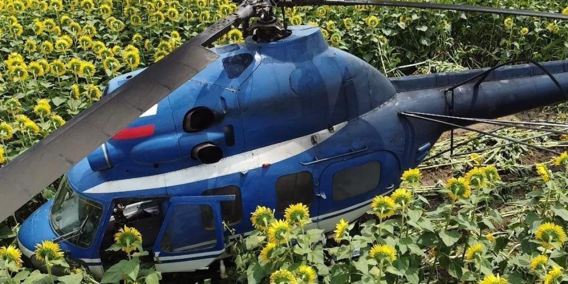 Вертолет Ми-2 рухнул в поле в Кабардино-Балкарии
