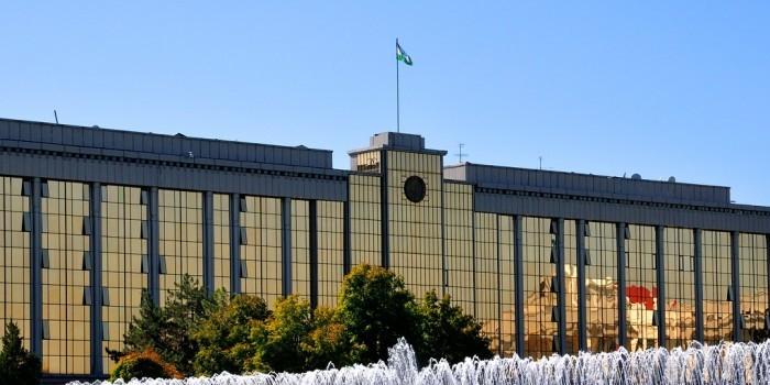 Госдума одобрила списание 95% долга Узбекистана