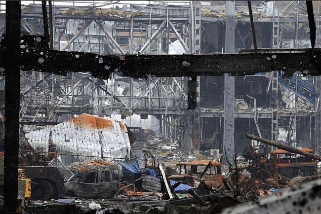 Штаб ДНР: в аэропорту Донецка обнаружены тела иностранных наемников
