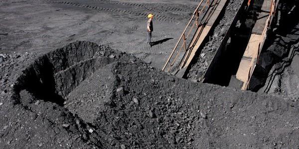 Яценюк: Украине не хватит запаса угля на зиму, нужны чрезвычайные меры