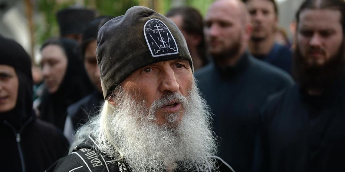 Церковный суд лишил сана захватившего женский монастырь схиигумена Сергия
