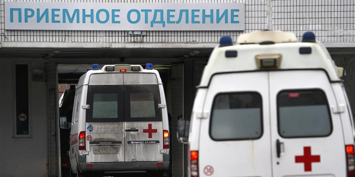 """Жительница Москвы """"сдала"""" полиции сына, заболевшего COVID-19 и нарушившего карантин"""