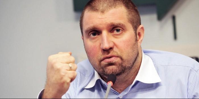 Бизнесмен Потапенко продает за 30 тысяч рублей билеты на свои лекции о кризисе в стране