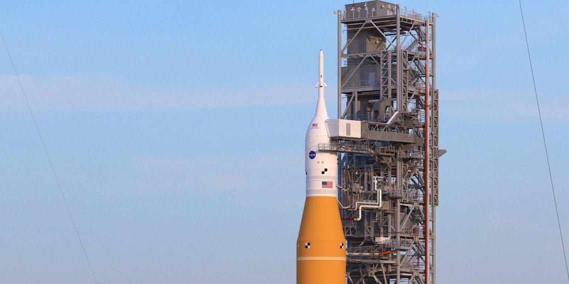 """NASA презентовала """"самую мощную ракету из когда-либо построенных"""""""