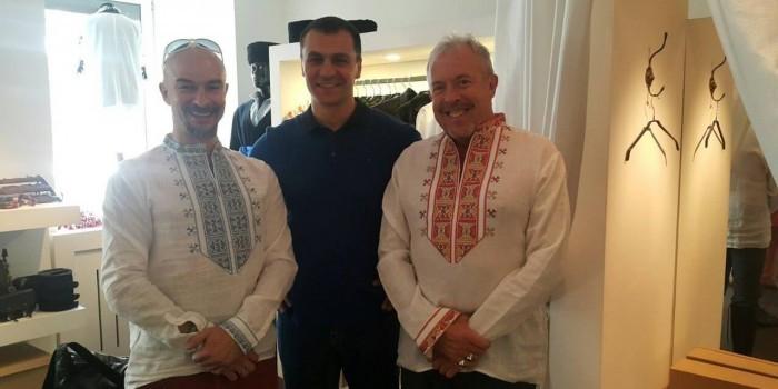 Макаревич в киевском бутике нарядился в вышиванку