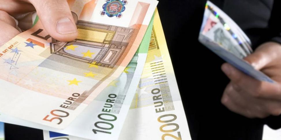 Bloomberg узнал об оттоке валютных депозитов из Сбербанка на $1,2 млрд