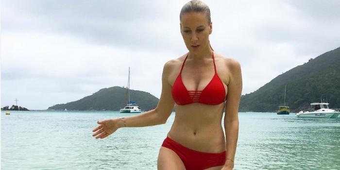 Лена Летучая удивила поклонников своими фото увеличившейся груди
