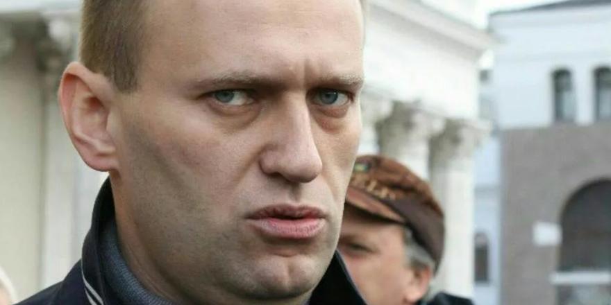 Ветерану Великой Отечественной войны стало плохо из-за оскорблений Навального
