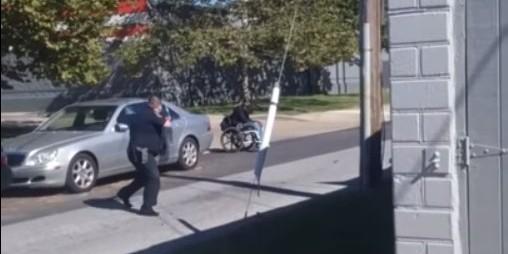 В США полицейские застрелили темнокожего в инвалидной коляске