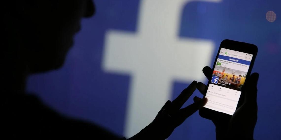 Манипуляция сознанием, или Как политики по всему миру используют Facebook
