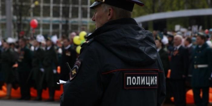 """Московским полицейским запретили иметь """"сигаретные общаки"""""""