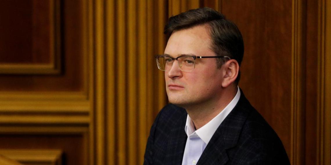 Глава МИД Украины затаил обиду на игнорирующего его звонки Лаврова