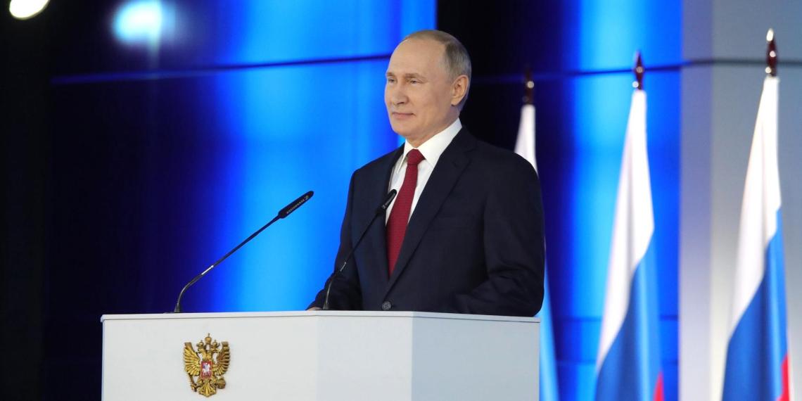 Гадания Запада: как иностранные журналисты озаботились судьбой Путина и России после реформы Конституции