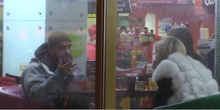 """Тимати отпраздновал день святого Валентина со звездой """"Универа"""" в блинной """"Теремок"""""""