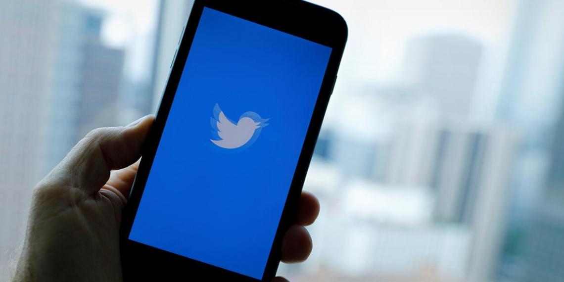 Twitter начал показывать рекламу в ответах на твиты