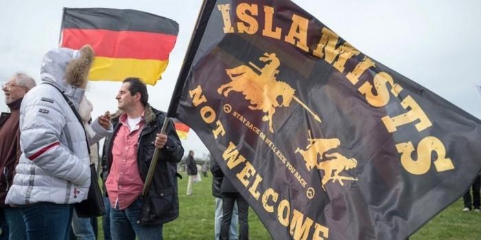 В 2015 году в Германии совершено свыше 800 нападений на приюты для беженцев