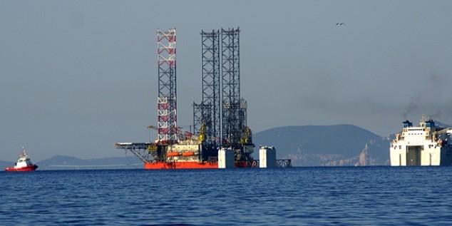 СМИ: Россия под прикрытием ракетных катеров добывает газ в 100 км от Одессы