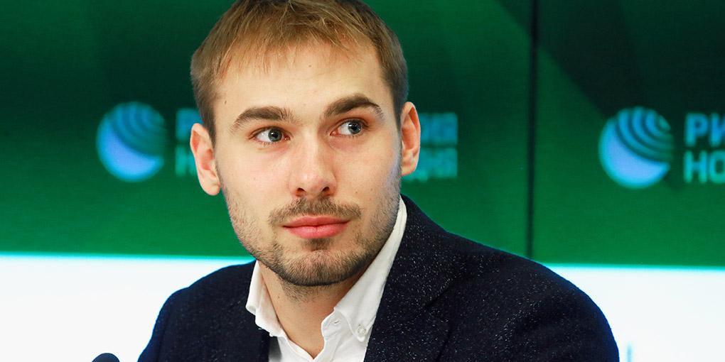 Уральские школьники 40 минут прождали на морозе депутата Шипулина