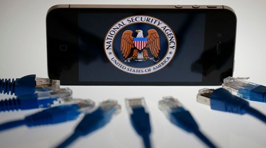 Глава ФБР пожаловался на Apple