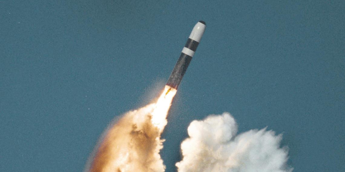 МИД раскрыл численность стратегических наступательных вооружений у России и США