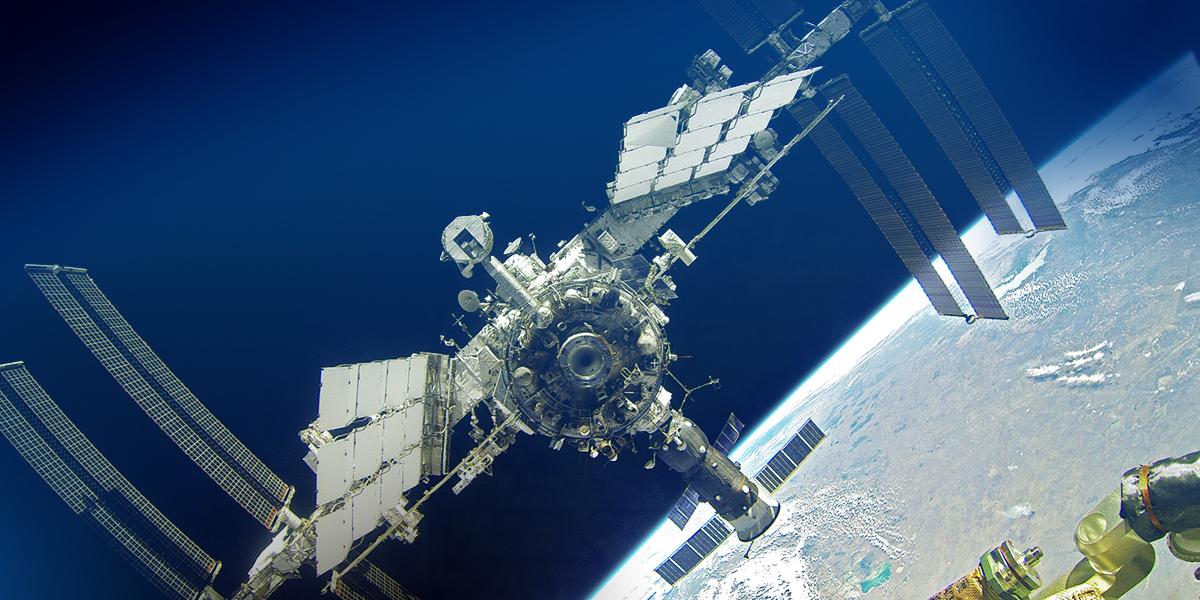 На МКС полгода не могут запустить новый американский туалет