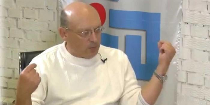 """Главу российских астрологов будут судить за """"вмешательство в загробную жизнь"""""""