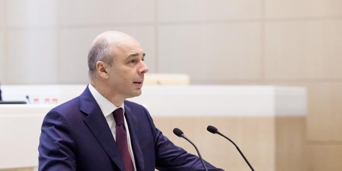 Силуанов анонсировал повышение акцизов на бензин