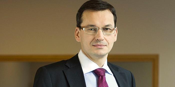 Польский министр рассказал, как прежнее правительство тратило деньги ЕС на гороскопы для собак