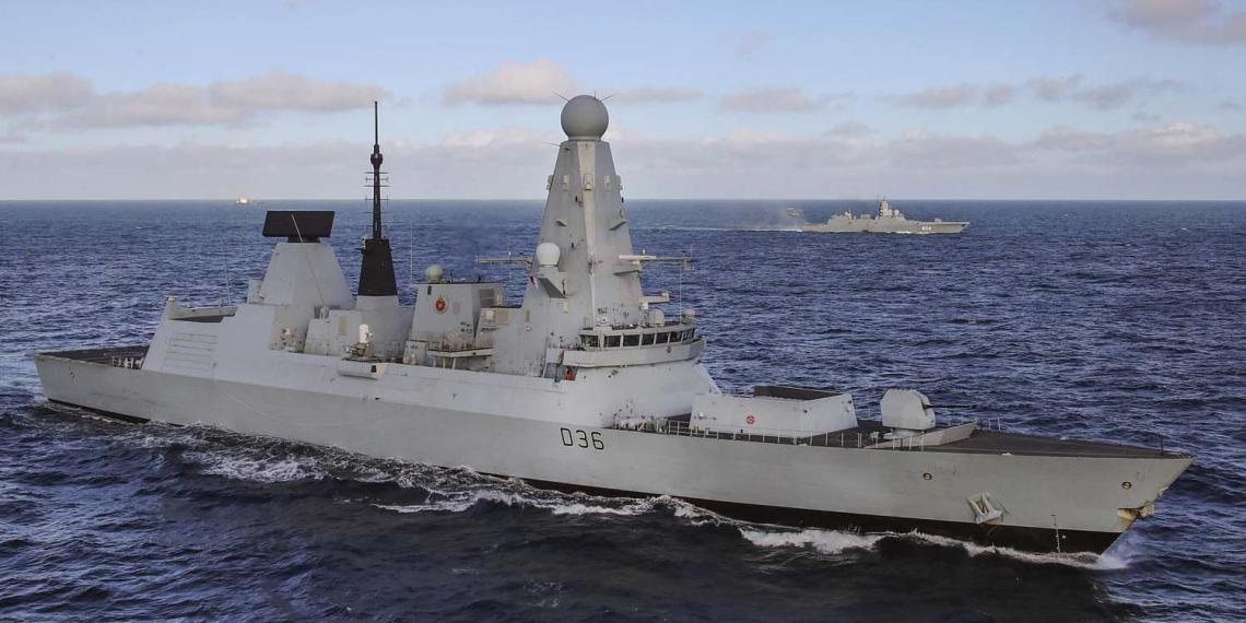 Находившийся на борту HMS Defender журналист рассказал подробности инцидента