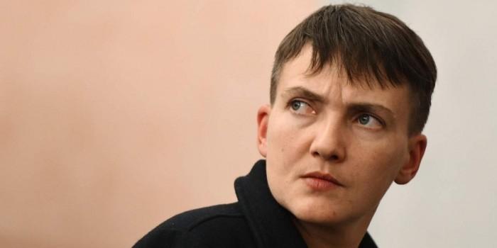 Савченко попросила Макрона усилить санкции против России