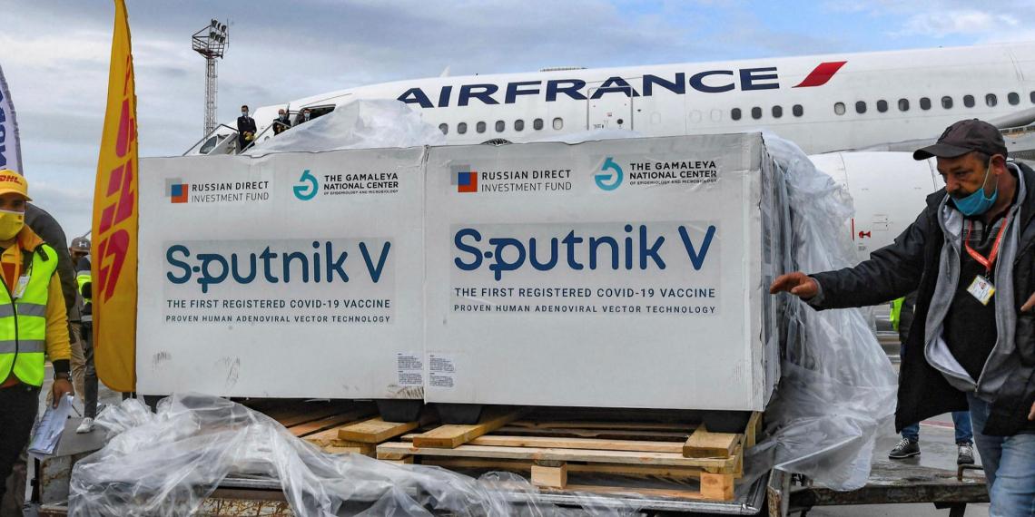Словакия одобрила вакцину Спутник V