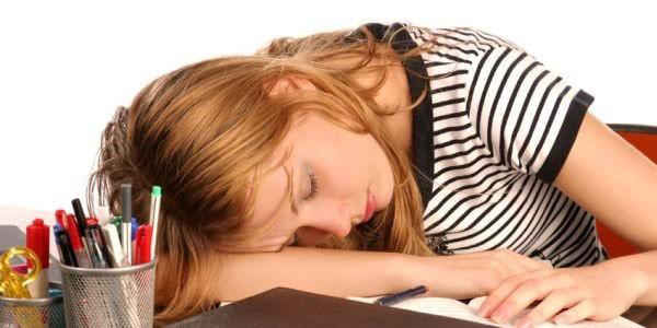 Ученые назвали главную причину дневной сонливости