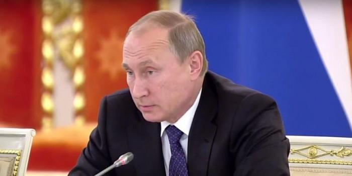 Владимир Путин назвал «информационными атаками» сообщения о мирных жертвах в Сирии