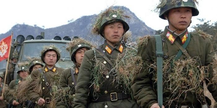 Президент Южной Кореи предупредил о высокой вероятности войны с КНДР