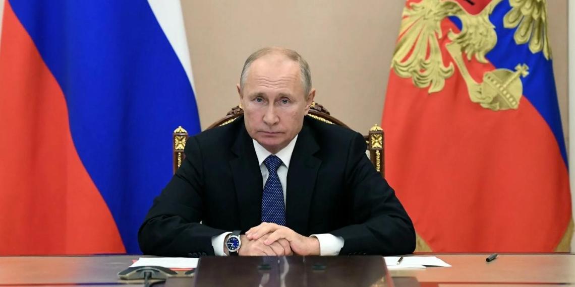 """Путин отметил роль """"Единой России"""" в развитии страны, укреплении экономики и социальной сферы"""