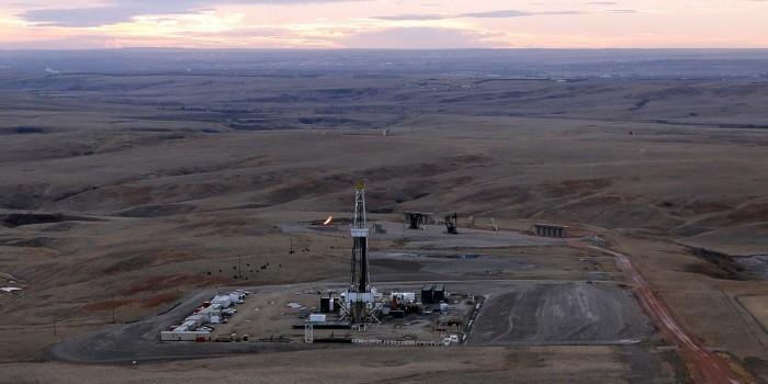 """Эксперты предсказывают падение цен на нефть из-за возвращения """"сланца"""""""