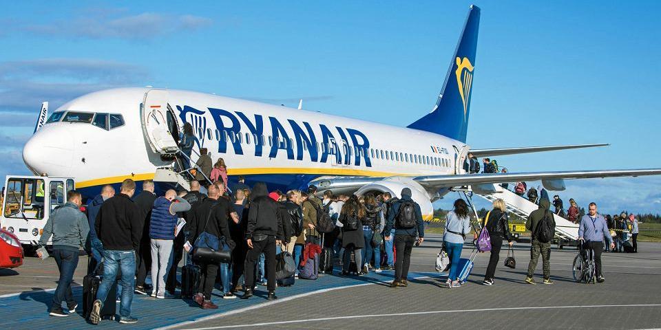 """Польский пилот объявил себя """"королем"""" самолета и не пустил украинцев"""