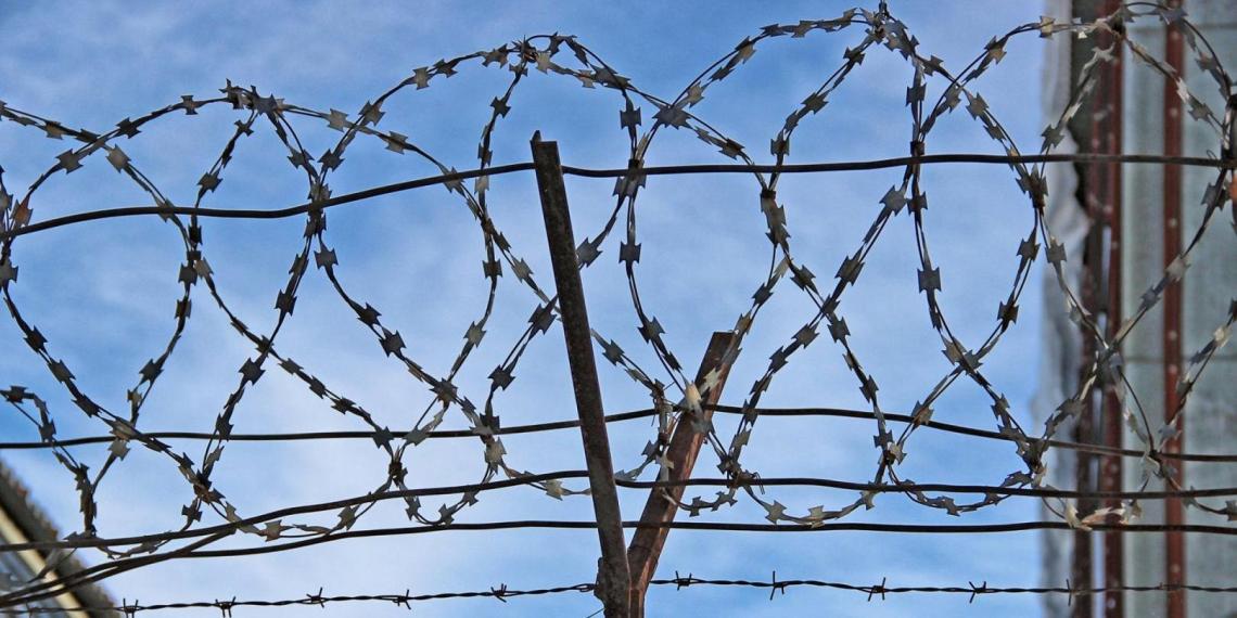 Литва начала строить на границе с Белоруссией забор с колючей проволокой