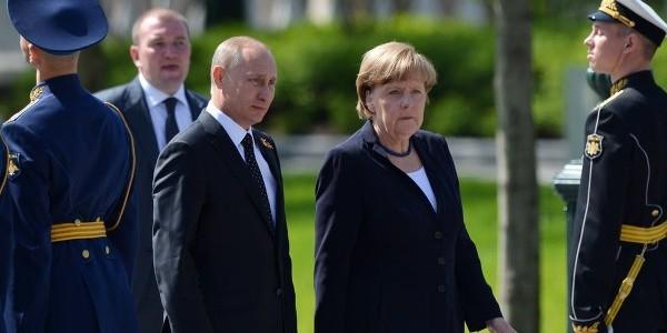 Путин: мир в Донбассе зависит от действий Киева